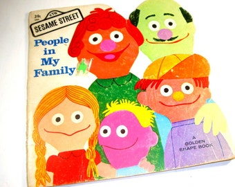 Vintage Sesame Street Book, People in My Family, Golden Shape Book, Jim Henson's Muppets, Illustrated, Learn To Count to Ten, 1971  (669-15)