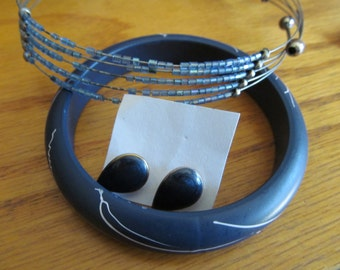 blue beaded neck ring plus