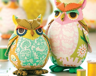 Edgar Owl and Poe pincushions Pattern by Heather Bailey