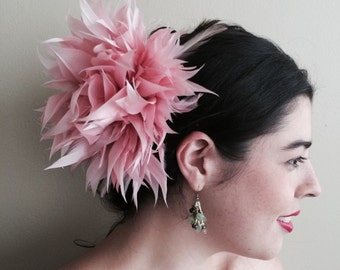 FLEUR de PLUME,  Vogue Goose feather fascinator, Vintage Pink  / FDP - 12