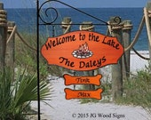 Family Name Sign Colored Campfire Graphic  - with 2 Dogbones and Round Garden Holder - Custom Carved Camping Sign