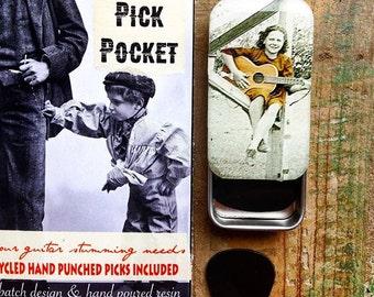 Guitar pick case, Pick Pocket. Pick tin, tin