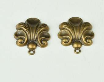 Floral connector charm, Made in USA brass antiqued, sold in pack of 2, 03908