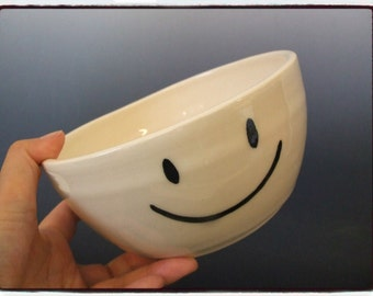 Happy Face Emoti Bowl in White by misunrie