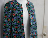 Black Floral | Vintage Novelty Rose Print 100% Cotton Jacket by Just Ducky | Fab Florals 1980s | Womens Large | 30-34 Waist | Made in USA
