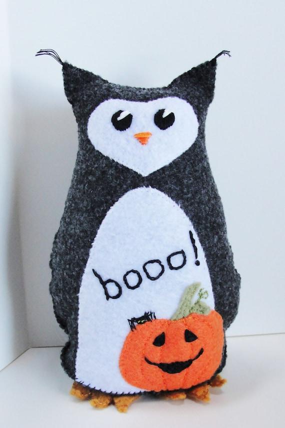 "Halloween felt owl- 8 inch stuffed owl with pumpkin, spider, ""booo!"" READY TO SHIP"