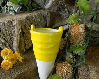 Bucket Water Tender watering stake -  ceramic    Water globe Fruit Yellow
