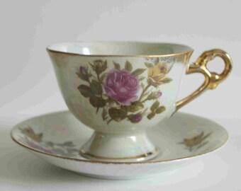 vintage porcelaine japanese Tea cup saucer,B-953Japan-red yellow rose design-opalescent-gold edges on tea cup-gold handles