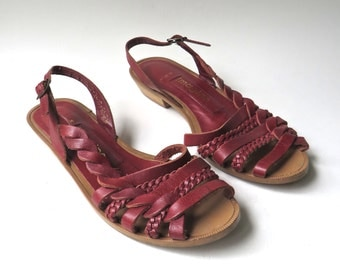 80s vintage Imagine Red Woven Leather Sandals / made in Brazil