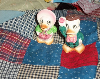 Vintage Salt and Pepper Shakers DUCKS 50S EX ANTHROPOMORPHIC dressed 3""