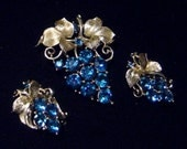 Vintage LISNER grape and leaf Brooch pin & Earrings sapphire blue rhinestones