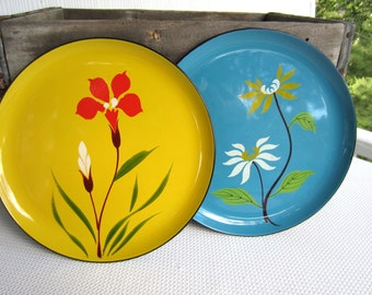 Vintage Flower Painted Lacquer Ware Style Trays Plates
