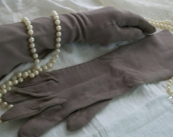 Vintage 1950s Long Taupe Doeskin Soft Gloves Size S/M Very Good Cond Great Neutral Color Made in France