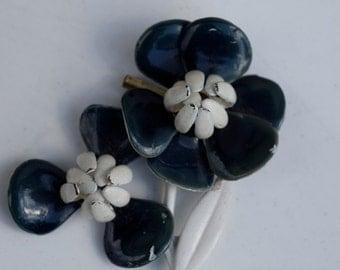 Vintage 1950's Dark Navy and White Enamel Flower Bunch Brooch