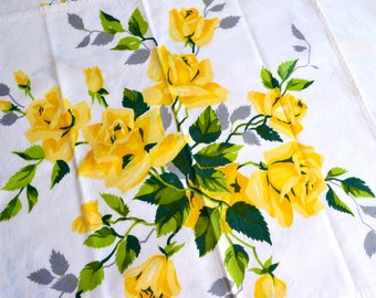 Vintage Wilendur Yellow Rose Tablecloth and 7 Napkins