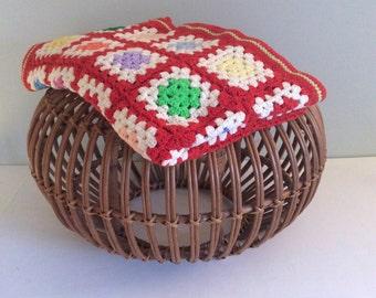 Pristine Vintage Rainbow Throw, Knit Afghan