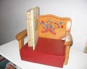 12% off Vintage Irmi Booster Seat Circus Retro Kitchen Red Natural Wood Vinyl Seat Nursery Decor Toddler Child Chair Clown Balloons Circus