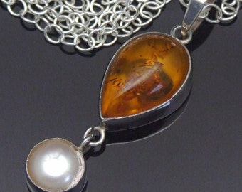 Amber Necklace, Pearl Pendant, Vintage Honey Amber Sterling Silver Pendant Necklace, 925 Sterling Silver, Mabe Pearl, Silver Chain Dangle