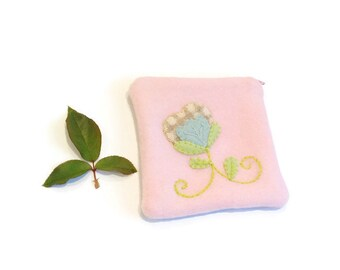 Zippered bag pink pouch embroidery applique flower blue