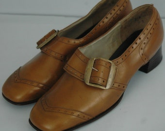 1960s MOD Brown Buckle Loafers Classic Oxfords  Size 8.5 Regular Mid Century Shoes Gerwinettes Shoes