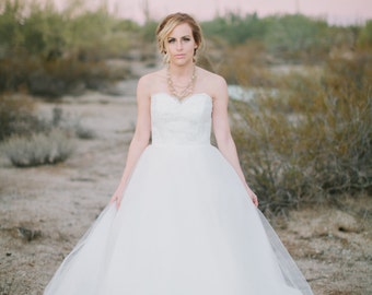 Tulle Skirt and Alencon Lace Sweetheart Neckline Wedding Dress with Low Back
