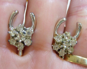 vintage silver tone horseshow with clear rhinestones screw on or screw back earrings 14IN