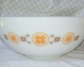 Vintage Pyrex Town and Country Large Mixing Bowl, Number 444,  4 Quart, Ovenware Gold and Brown, Stacking Bowl,  Cinderella Handles,