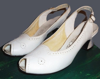 Women's Vintage 40's white White summer shoes by RED CROSS Sz 6 & 1/2 M