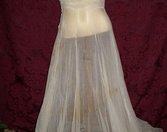 Antique 1900s 1910s Victorian Net Mesh Ruffle Nightgown Slip