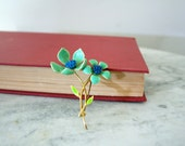 Beautiful Vintage Bright Sea Green and Turquoise Flower Multiple  FLOWER POWER Enamel 1960s Brooch Pin