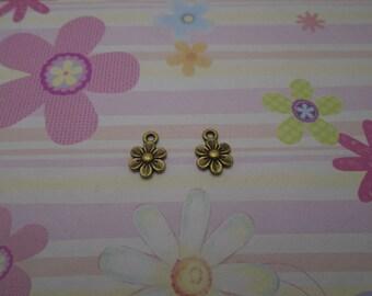 40pcs antique bronze flower findings 12mmx9mm