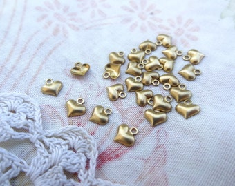 25 Tiny Puffy Queen of Hearts Brass Charm. 3D Charm. Vintage Tiny Embellishment. E21