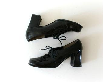 1960s Vintage Shoes - 60s MOD Black Patent Leather Heels
