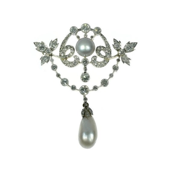 Natural Saltwater Pearl Necklace: Natural Saltwater Pearl Brooch Antique Diamond Pendant