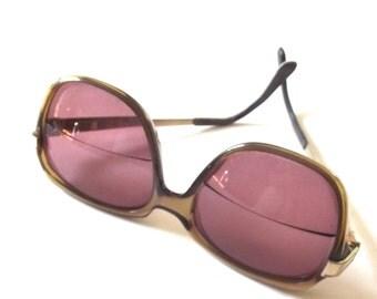 Vintage Ladies Sunglasses, Brown Plastic Glasses Frames with Metallic Gold Stems and Prescription Lenses