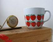 Vintage Rare VHTF Arabia Finland Pomona Strawberry Cup Mug