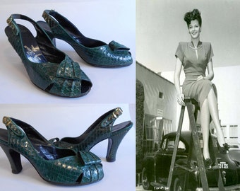 Pin Ups Are Such a Blast - Vinage 1940s WW2 Green Reptile Snake Skin Leather Slingback Heels Pumps - 9/9.5