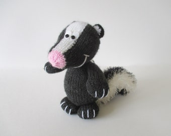 Cyril the Skunk toy knitting patterns