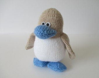 Blue Footed Booby Bird toy knitting pattern