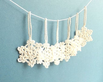Crochet Christmas snowflakes - white snowflakes decorations - gift wrapping ornaments - crochet snowflakes - home decor - set of 6 ~2 inches