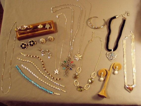 Lot Vintage Avon Costume Jewelry 6 Bracelets 7 By Pedsboys