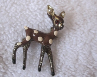 Vintage brooch, enamel, Very  sweet vintage tiny deer .. spotted fawn,  Brown enamel  scatter pin of gold tone metal with red rhinestone eye