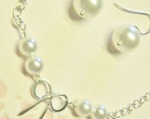 Free Shipping!  Bridesmaid Pearl and Bow Bracelet Set, White or Cream Pearl Earrings, Wedding Set, Maid of Honor Set