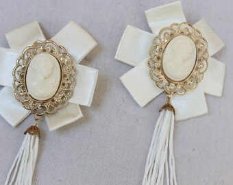 Ivory color cameo buckles pin 1 pieces listing 2 1/2 inches wide 5 inches long