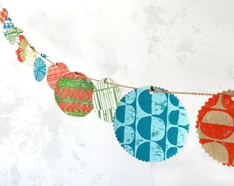 Hand printed paper garland // Festive bunting // Party decoration // Paper bunting