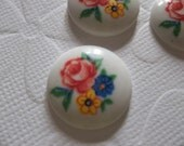 Vintage Decal Picture Stones - Three Flowers on White Retro Cameo -  18mm Glass Cabochons - Qty 4