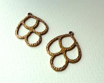 Vintage Brass Drops Dangles - Nouveau Style - Textured Detail -  Cut Out Design - 35x27mm - Qty 2 pcs, one pair (nxt1)