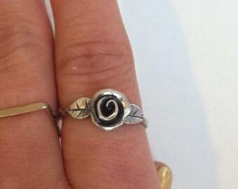 Petite Rose Ring