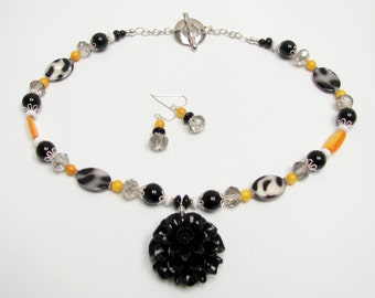 Black & yellow necklace set Sale 28.00 dollars was 40.00