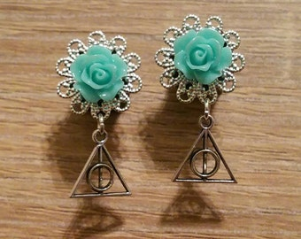 Rose Plugs with Hallows Dangle (2g, 0g & 00g)
